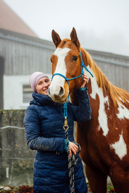 Portrait Pferd und Mensch | ©Julia Friedl